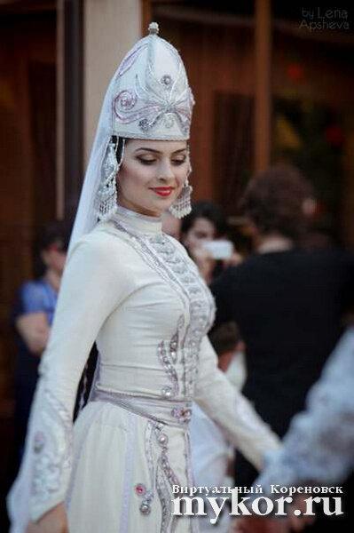 Адыгейская женщина фото