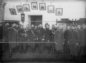 Группа командного состава 1-ой Уральской его величества казаьчей сотни в здании казармы с гостями - офицерами французской кавалерии