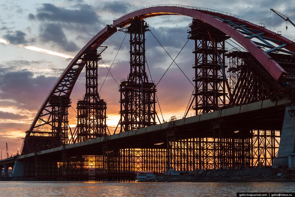 строящийся мост картинка роли потенциальных фавориток