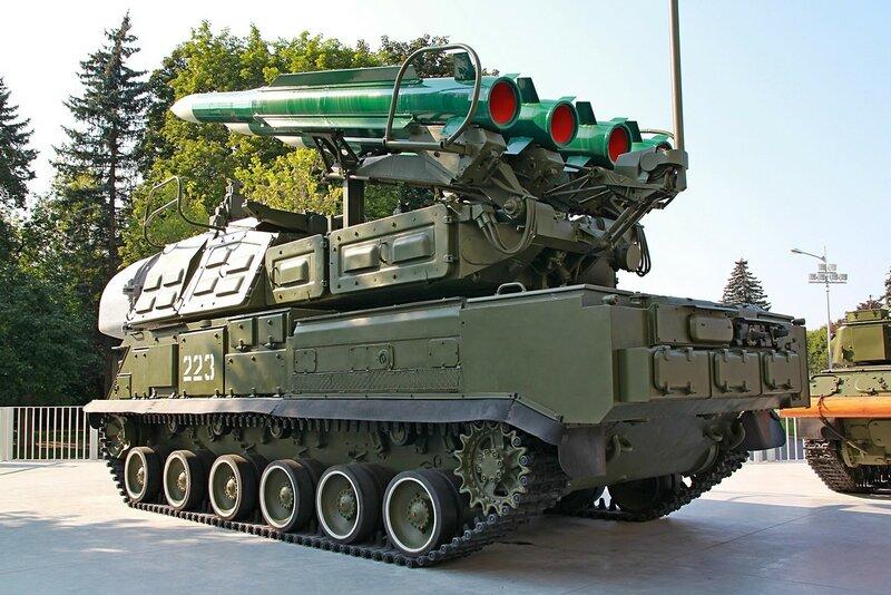 Самоходная огневая установка 9А310 из состава ЗРК «Бук» - Военная техника на ВДНХ