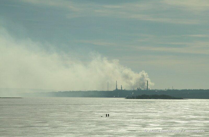 Волга, Саратов, 15 марта 2014 года