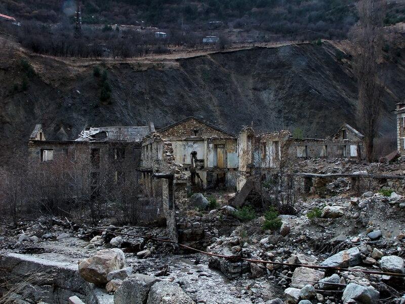 В поселке Садон