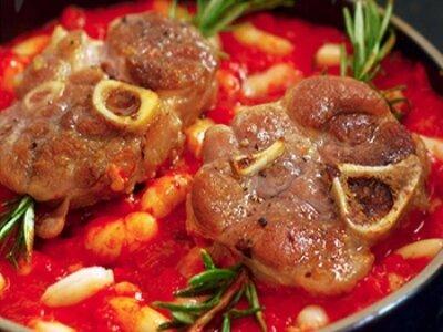 Свинина с фасолью в соусе