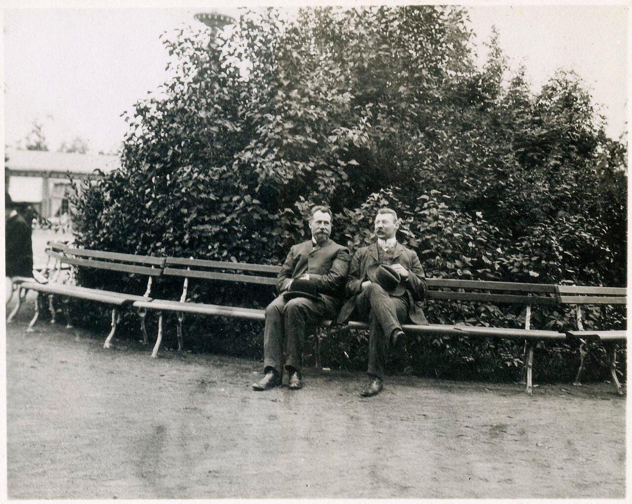 Скворцов и Борген в Летнем саду Санкт-Петербурга
