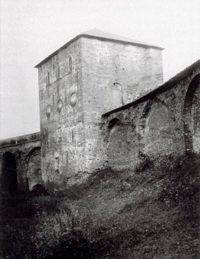 Дворцовая башня.Внутренний фасад.