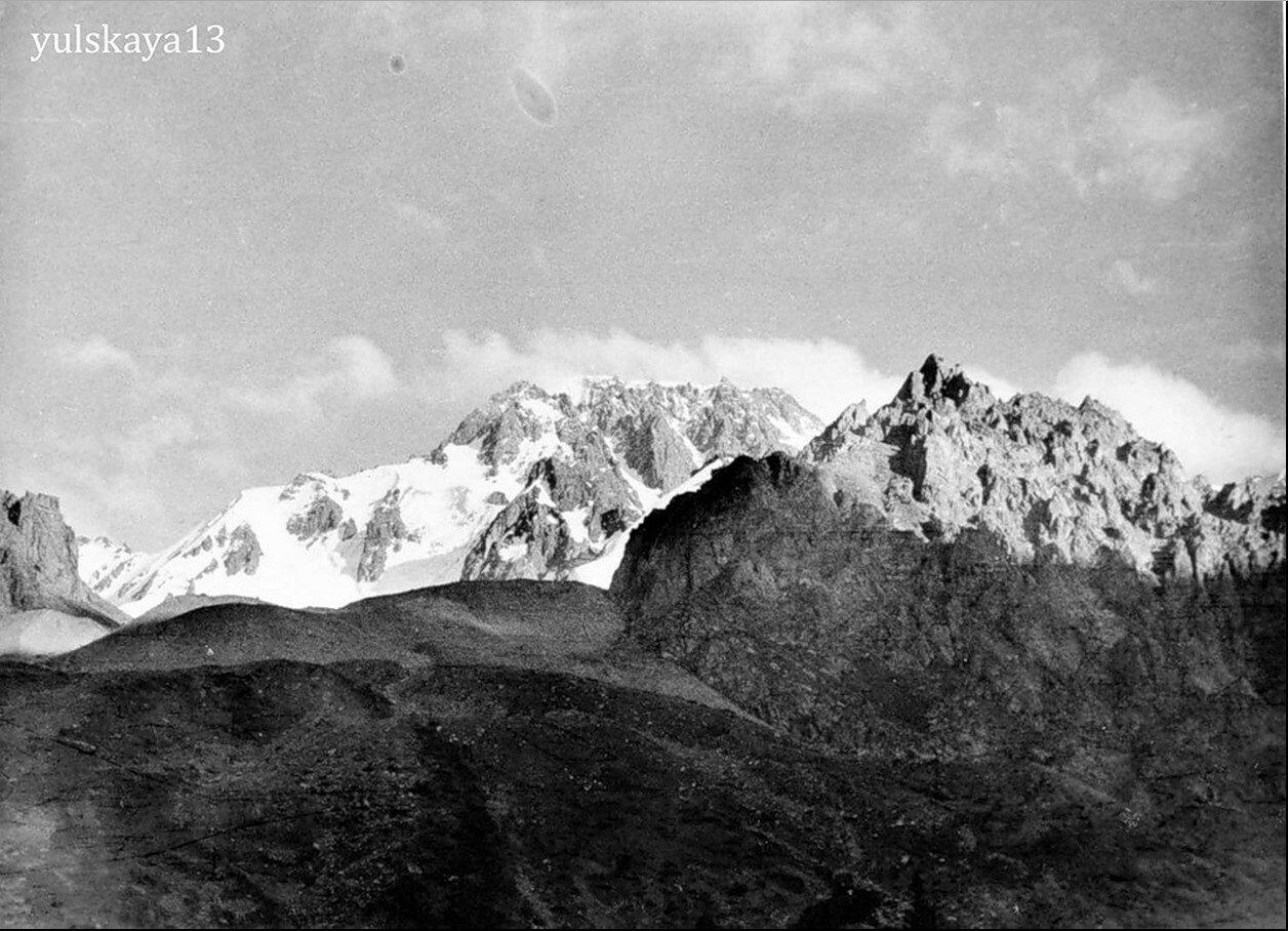 35. Вершина Талгар - высота 5017 метров