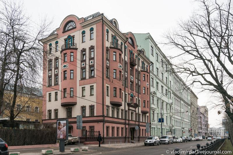 Административное здание ТАСС (1997—1998 гг., архитектор Д. М. Деев)
