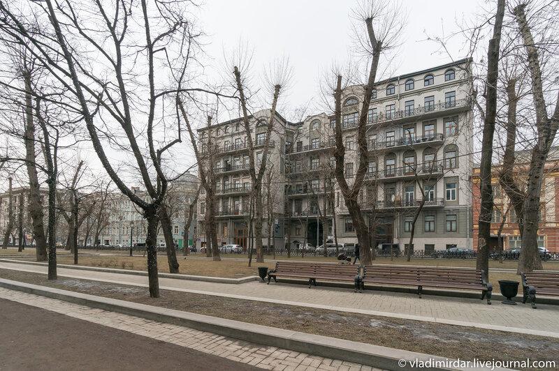 Доходный дом И. М. Коровина (1906 г., архитектор И. Г. Кондратенко)