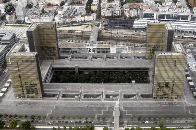 Фото Парижа с вертолёта!