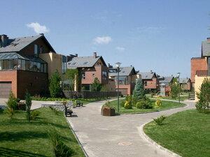 Что выбрать - коттеджный посёлок или квартиру