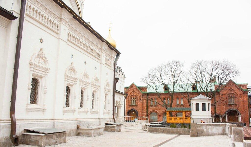 Зачатьевский монастырь
