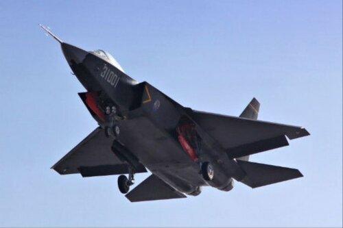 А это еще один претендент на завоевание господства в воздухе -- китайский истребитель 5-го поколения J-30/F-60.