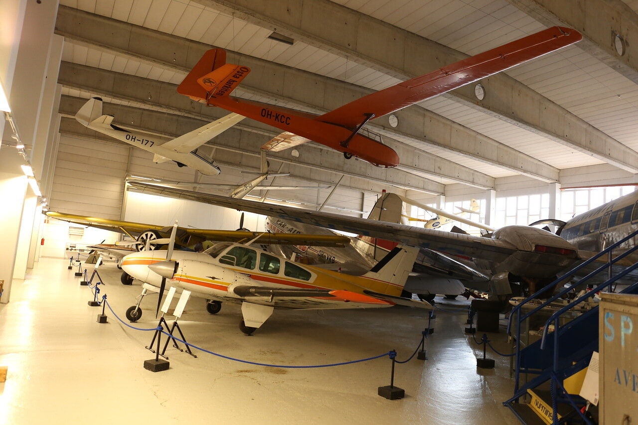 Авиамузей Хельсинки-Вантаа.Beechcraft 95-A55 Baron, SDZ-9bis, SZD-10bis Czapla