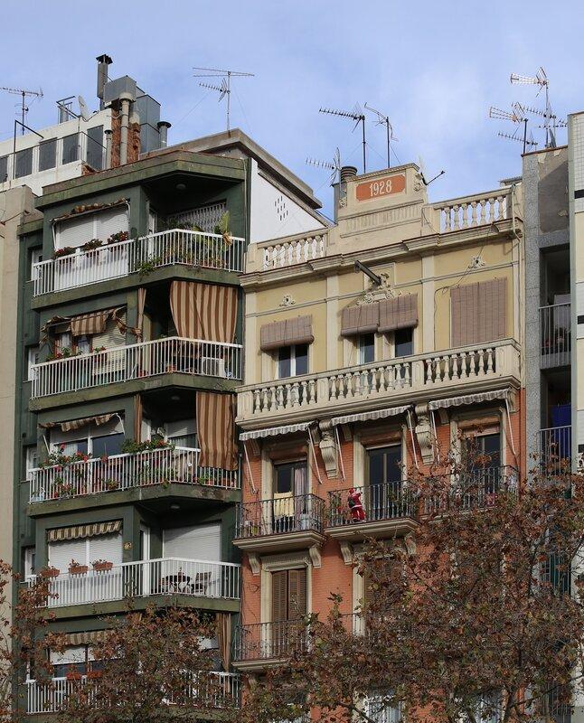Barcelona. Juan de Bourbon Boulevard (Passeig de Joan de Borbó)