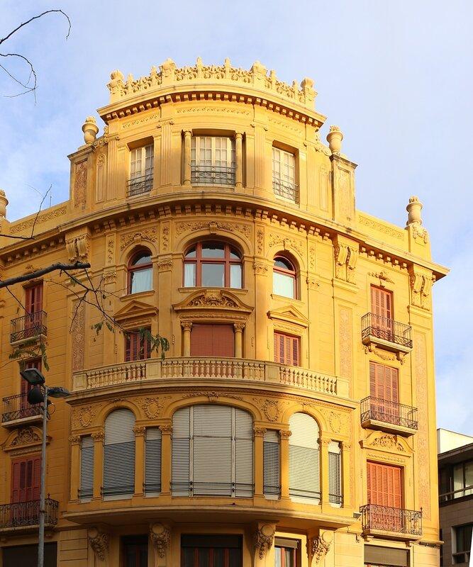 Реус. Маршрут модерна. Площадь Каталонии. Каса Фабрегас. Casa Fàbregas. Plaça de Catalunya. Reus  modern route.