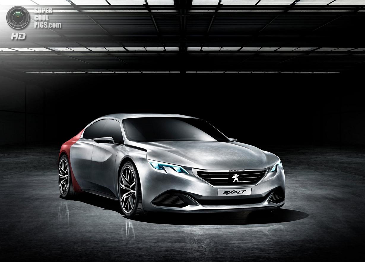 Peugeot Exalt: Ещё один из будущего (23 фото)