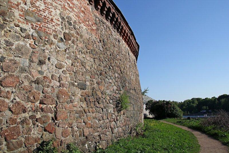 Стена Выборгского замка