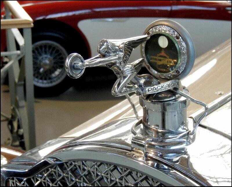 Autoworld 8388 Packard