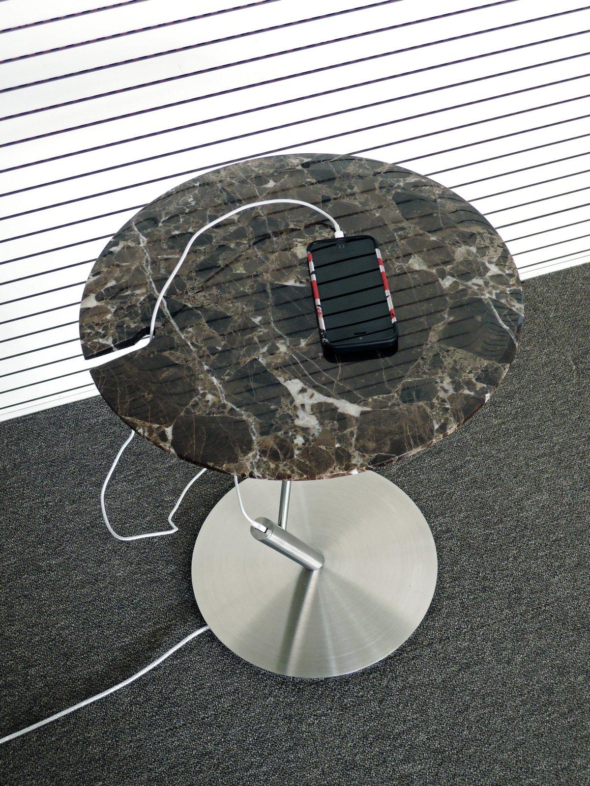 Обзор столик для ноутбука, дизайнер Леонид Лозбенко, lllooch, испанский мрамор Emperador, греческий мрамор Skyros, столик с usb портом
