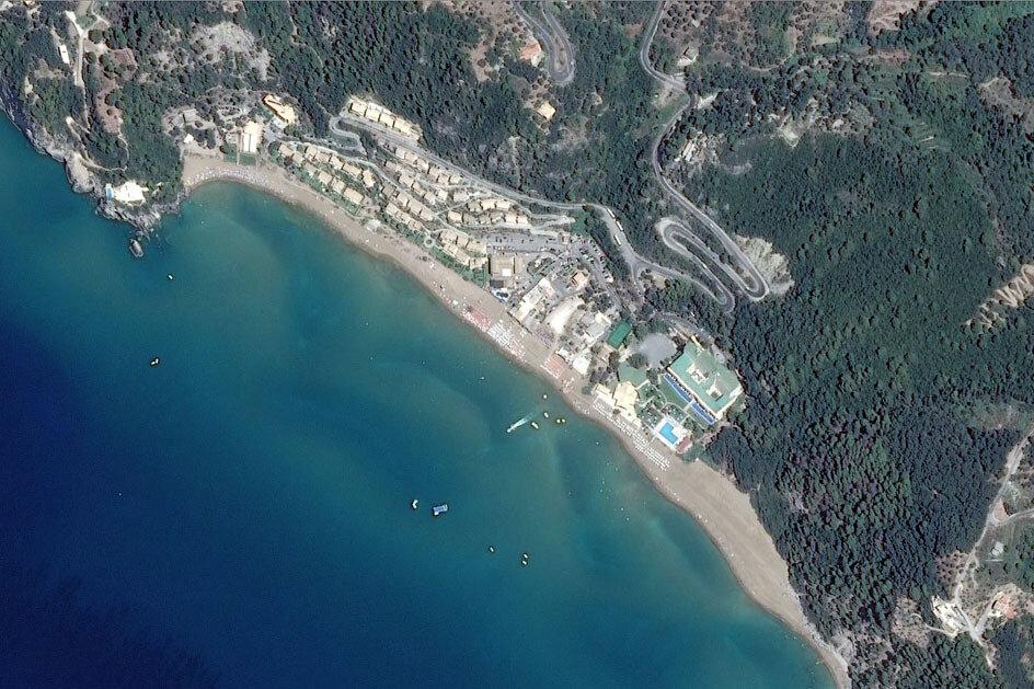 Курорт Глифада, Корфу (вид со спутника)