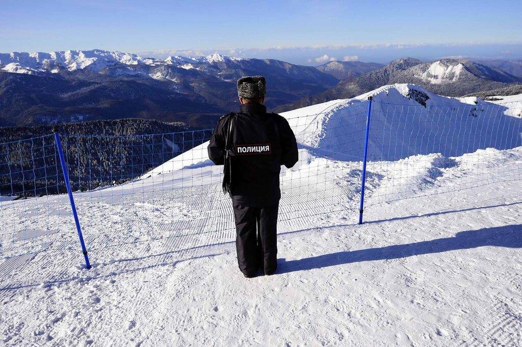 Полицейские посты и патрули, которые обеспечивают охрану горнолыжных трасс (1)