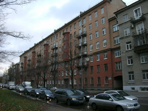 Варшавская ул. 16