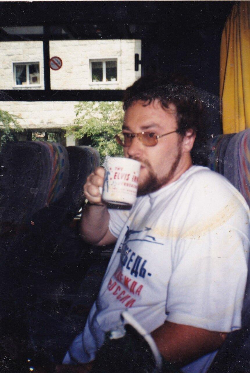 1999. После посещения кафе, посвященного Элвису Пресли