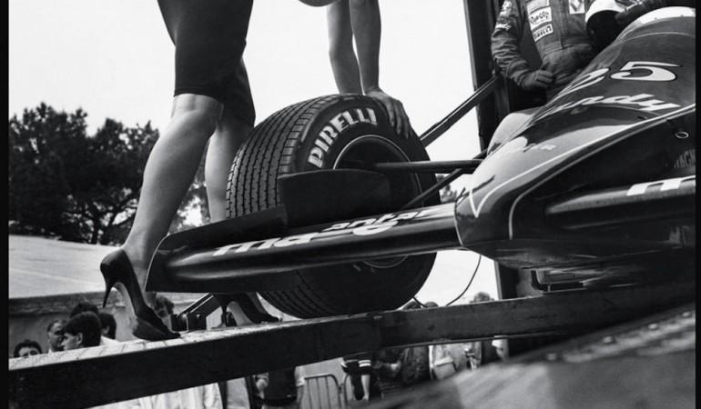 Юбилейный пятидесятый календарь Pirelli на 2014 год. Немного, но от самого Хельмута Ньютона! 145a8 фото
