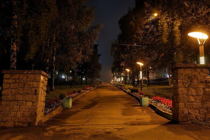 Ночной сквер у горадминистрации Img_7751_7752_7753_hdr