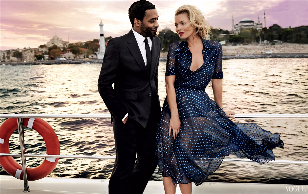 Кейт Мосс и Чиветел Эджиофор / Kate Moss & Chiwetel Ejiofor by Mario Testino in US Vogue december 2013