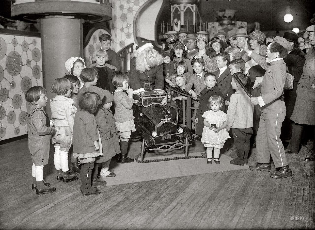 1924. Санта Клаус в Wanamaker в Нью-Йорке