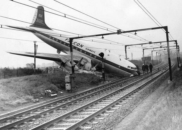 Самая идеальная авиакатастрофа... Никто не погиб. Великобритания 10 октября 1960 года.jpg