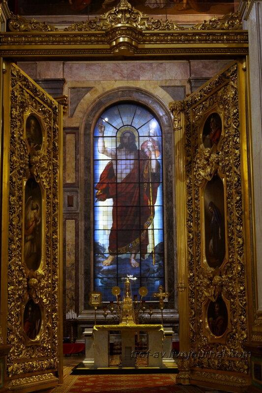 Воскресение Христа. 1841—1843, витраж главного алтаря Исаакиевского собора (собор преподобного Исаакия Далматского), Санкт-Петербург