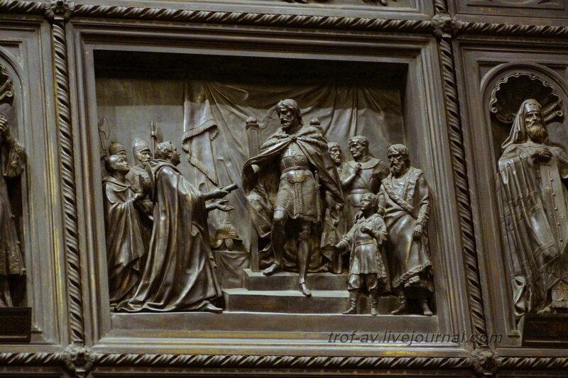 Горельефы на внутренних дверях Исаакиевск собор (собор преподобного Исаакия Далматского), Санкт-Петербург