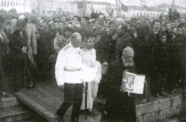 Седов. Проводы экспедиции Г.Я. Седова (1912 г.).jpg