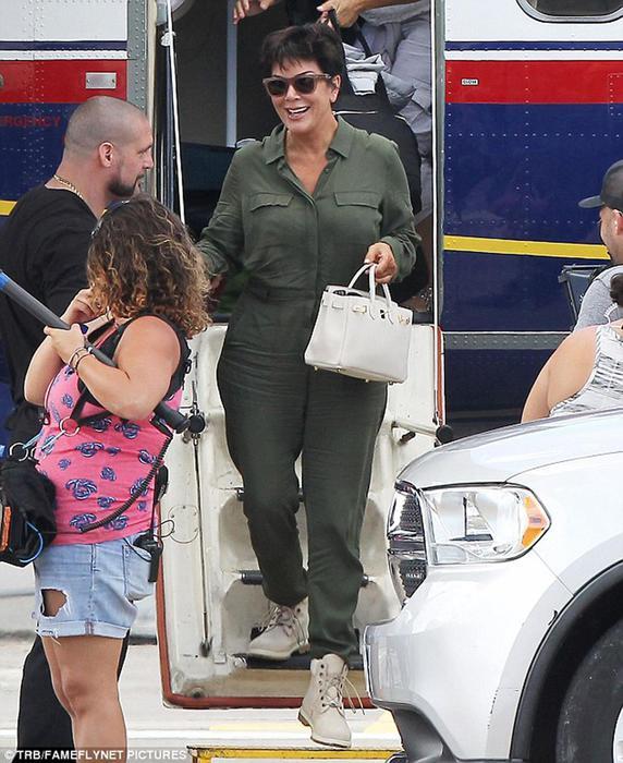 Ким Кардашян прибыла с семьей на заслуженный отдых в Сен Бартелеми