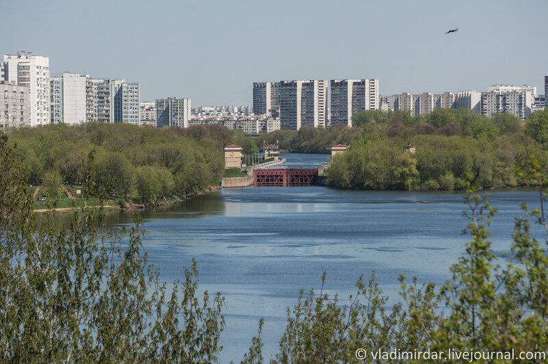 Шлюз № 10 канала им. Москвы. Фокусное 136 мм.