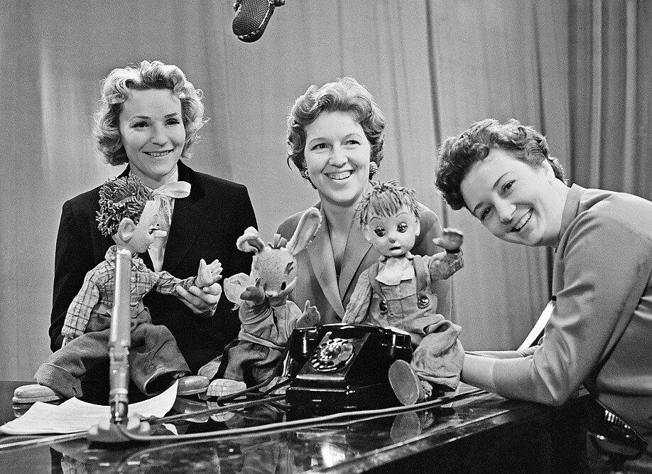 Первые дикторы ЦТ - Нина Кондратова, Валентина Леонтьева, Анна Шилова, 1959 год.