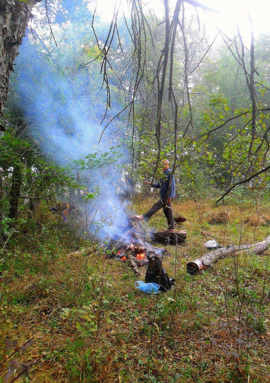 Дым есть, огонь есть, ноги погреть можно ... SAM_4120.JPG