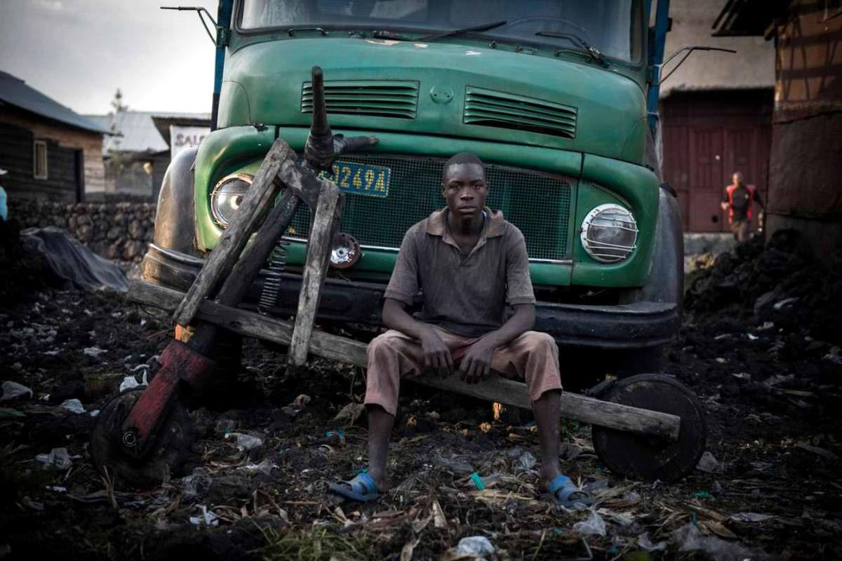 Демократическая Республика Конго - Участники соревнований на грузовых самокатах (4)