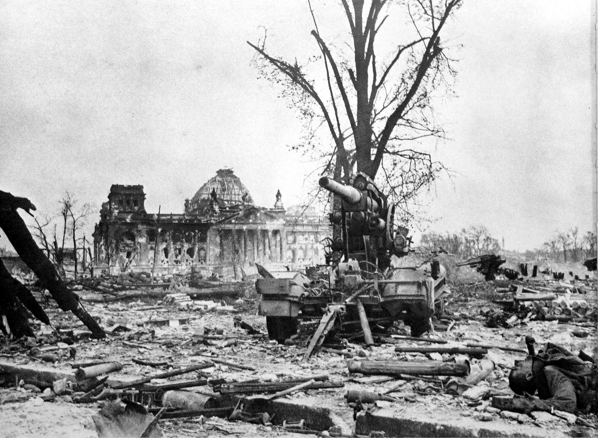 Падение Берлина на фотографиях весны 1945 года (6)