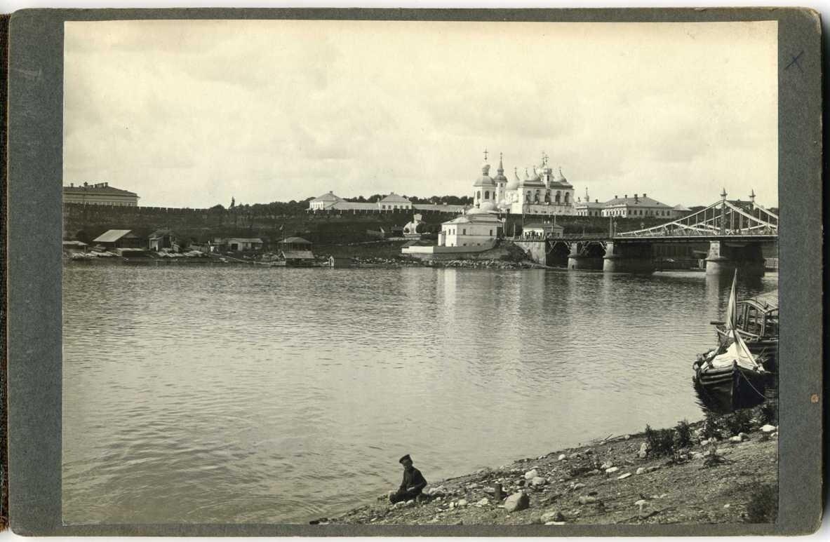 Вид на Кремль и мост