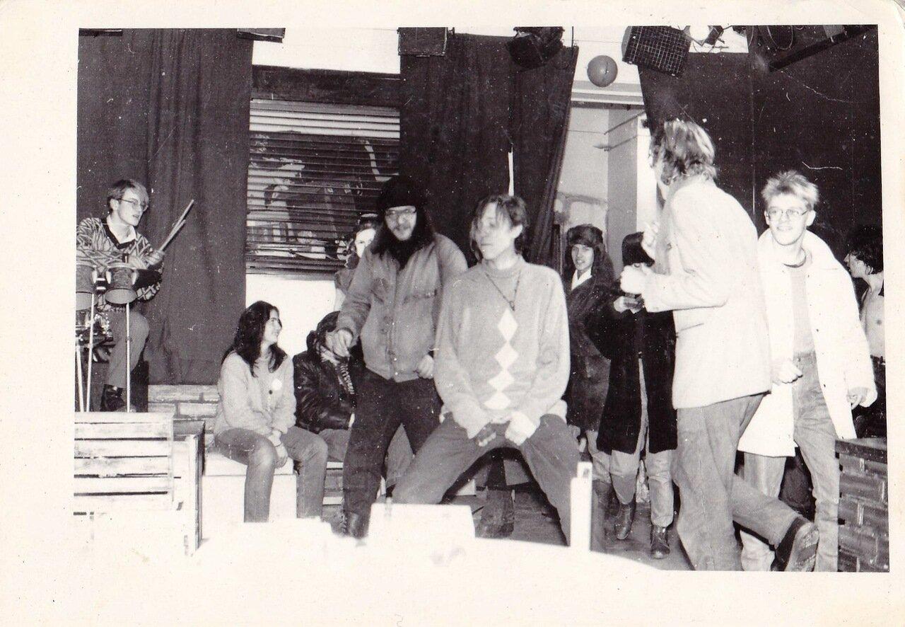 1990-е. Какой-то сейшн непонятно где. На снимке Группа «Горбатая сестра», Горына и еще не помню кто