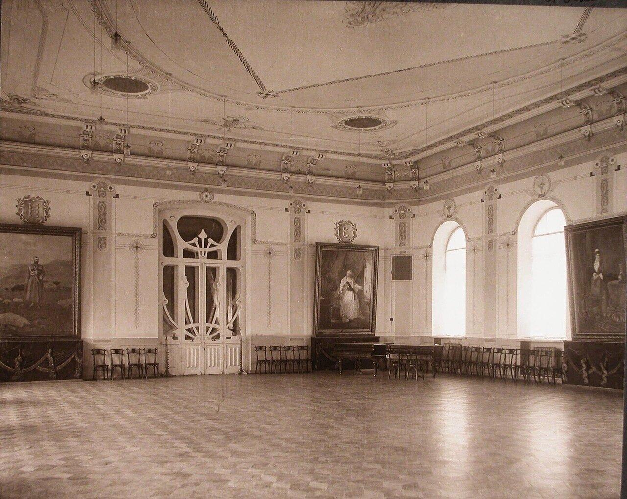 06. Вид части актового зала института