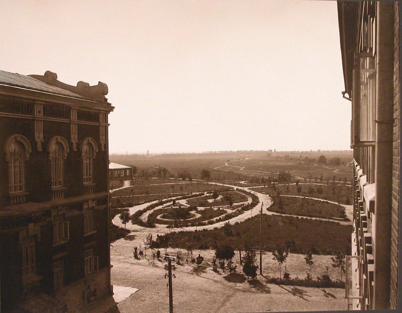 16. Вид на институтский сад из окна 3-го этажа института