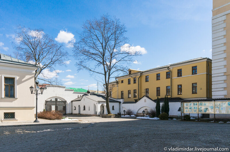 Воротный двор Марфо-Мариинской обители на Ордынке