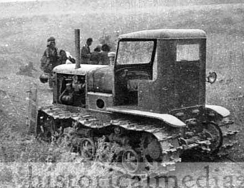 Брошенный трактор СТЗ-3.