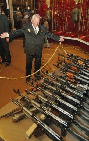 Скончался оружейник Михаил Калашников
