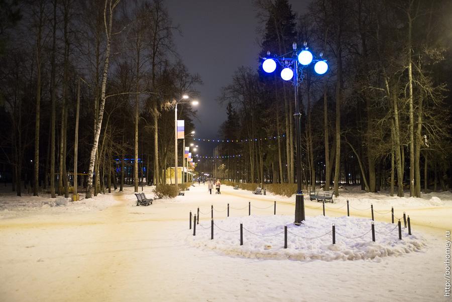 фонарь в парке имени зернова