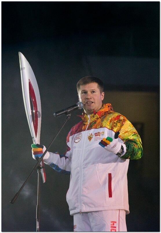 Фотографии с эстафеты Олимпийского огня в Тольятти